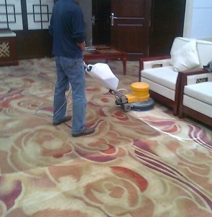 和记客戶端下载和记h88公司分享冬天清洗尼龙地毯的工具材料:热水+洗洁剂!